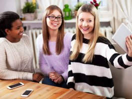 5 Tips to Save Money When Going Out With Friends