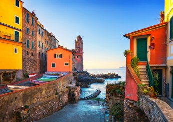 Traveling Cheap: Is Hostel Living Right for You?